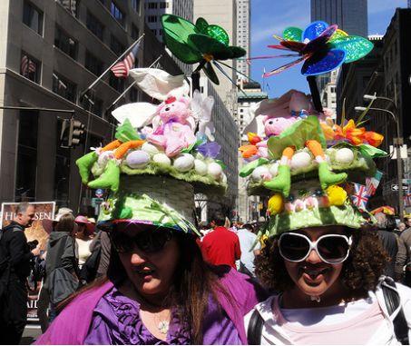 Пасхальные традиции Великобритании включают парад шляп