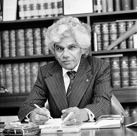 Невил Бонер - первый австралийский абориген - сенатор