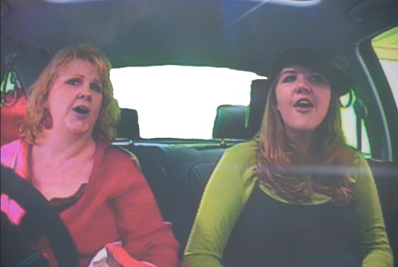 Учить английский по песням в машине